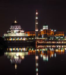 Free Putra Mosque Stock Images - 29119934