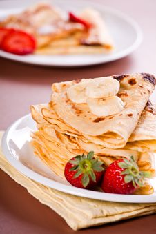 Free Crepes And Fruits Stock Photo - 29122870