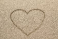 Free Heart Shape Symbol Drawn In Sand Stock Photography - 29130422