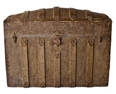 Free Antique Trunk With Grape Leaf Pattern Royalty Free Stock Photography - 29131367
