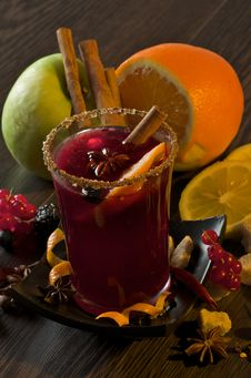 Free Mulled Wine And Fruits Stock Photography - 29133992