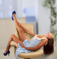 Free Girl Sitting In Chair Stock Images - 29143214