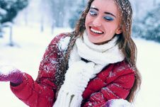 Sensual Portrait Of Pretty Woman In Winter Park Royalty Free Stock Photography