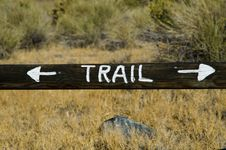 Free Stay On The Trail Sign Royalty Free Stock Image - 29163836