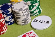 Free Dealer Button And Chips Stock Photography - 29165162