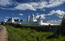 Free Russian Orthodox Monastery Royalty Free Stock Image - 29165786