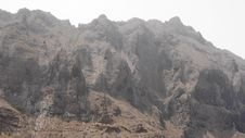 Free Mountain In The Fog Royalty Free Stock Photography - 29166467