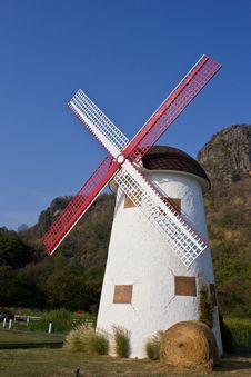 Free Swiss Sheep Farm Windmill5 Stock Photos - 29186933