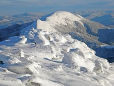 Free Snow-capped Mountains Of Carpathians Stock Images - 29198144