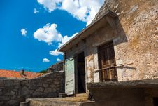 Free Doorway In To Byre Royalty Free Stock Photography - 2926237
