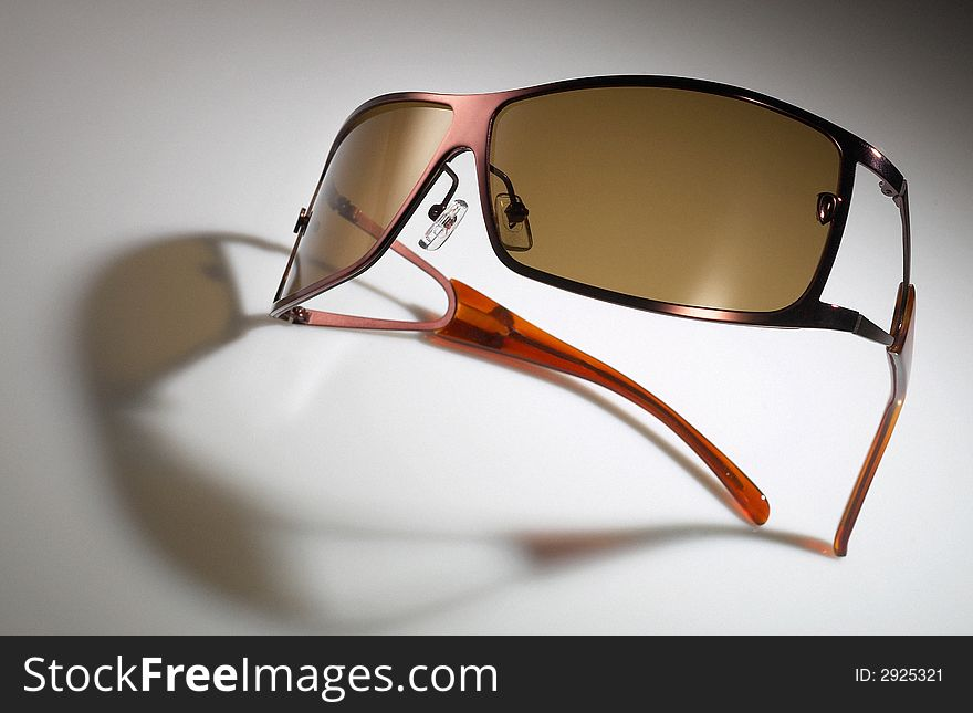 Sunglass spectacle