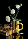 Free Paper Mug With Eustoma Flowers Royalty Free Stock Photos - 29222008