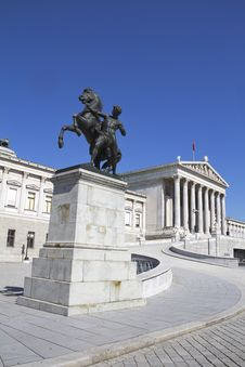 Free Austrian Parliament Royalty Free Stock Photo - 29225815