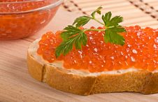 Free Bread With Red Caviar Royalty Free Stock Image - 29229036