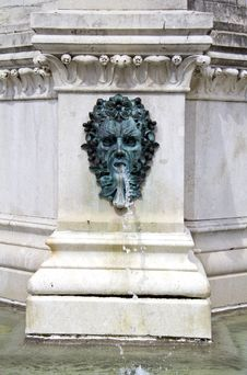 Free Fountain Royalty Free Stock Photography - 29237467