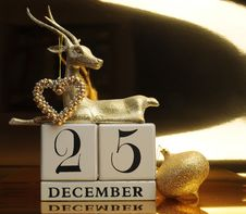 Free Gold Theme Save The Date Calendar For Christmas Day, December 25. Stock Image - 29263471