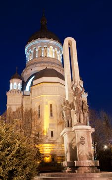 Free Orthodox Cathedral And Soldier S Monument, Cluj-Napoca Royalty Free Stock Photos - 29265608