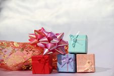 Free Gift Box For Valentine S Day Stock Images - 29299084