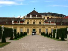 Free Belvedere Palace In Vienna Royalty Free Stock Images - 2935389