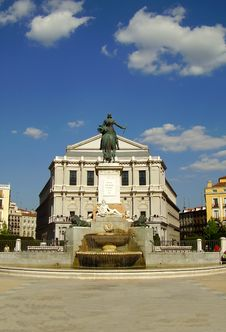 Free Plaza De Oriente, Madrid Royalty Free Stock Photography - 2935897