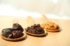 Free Delicious Dry Fruits Stock Images - 29302244