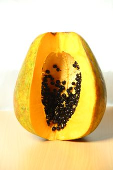 Free Fresh Papaya On Wooden Table Royalty Free Stock Photos - 29302398