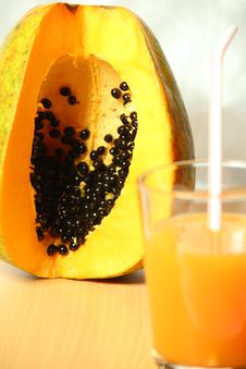 Free Tropical Organic Papaya & Juice Stock Images - 29303064