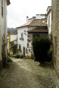 Free Medieval Street In Obidos, Portugal Stock Images - 29305044