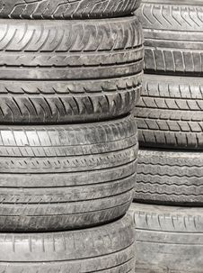 Free Heap Of Old Tires Stock Photography - 29325442