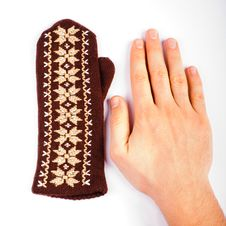 Free Brown Mitten An Hand Stock Photo - 29330910