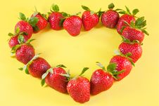 Free Strawberries Heart Stock Photos - 29357303