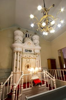 Free Jewish Synagogue With Lights Stock Photography - 29367342