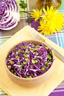 Free Red Cabbage Salad Royalty Free Stock Photography - 29368717