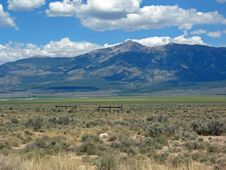 Free Grazing Land In Eastern Central Nevada Royalty Free Stock Image - 29391406