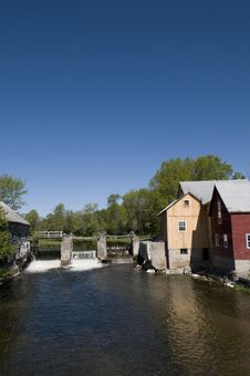 Free Old Mill On The Creek Stock Photography - 29393592
