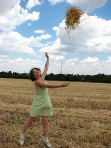 Free Woman In Field Royalty Free Stock Photography - 2940357