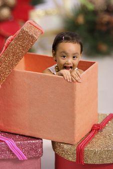 Free Toddler Peeping From Xmas Box Royalty Free Stock Photos - 2941808