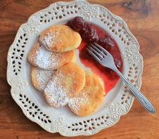 Free Pancakes With Strawberry Jam Stock Photography - 29412002