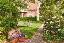 Free Country Garden Royalty Free Stock Image - 29418756