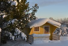 Free Snow-covered Cottage Royalty Free Stock Photography - 29462157