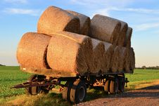 Free Straw Rolls On A Trailer Stock Photo - 29479990