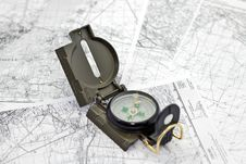 Free Compass On The Background Maps Stock Images - 29495664