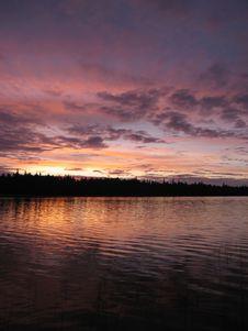 Free Beautiful Pink Dawn On Lake Stock Photography - 2951062