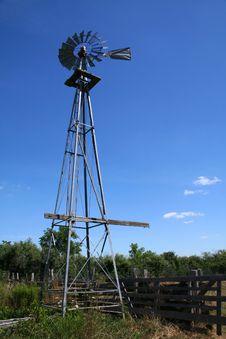 Free Farm Turbine Royalty Free Stock Photo - 2951735