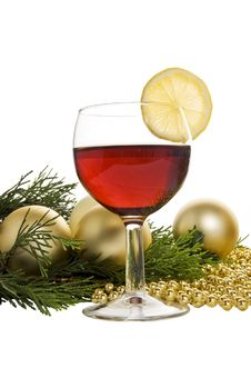 Free Gold Christmas Baubles & Wine Royalty Free Stock Images - 2955789