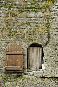 Free Fortress Wall And Door Royalty Free Stock Images - 29501609