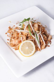 Free Pad Thai Noodle. Royalty Free Stock Photography - 29536427