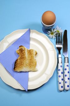 Free Blue Theme Happy Easter Breakfast Table With Bunny Rabbit Toast -Vertical Royalty Free Stock Photo - 29544485