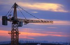 Free Building Crane At Sunset Royalty Free Stock Photos - 29559368
