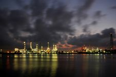 Oil Refinery At Twilight Royalty Free Stock Photos